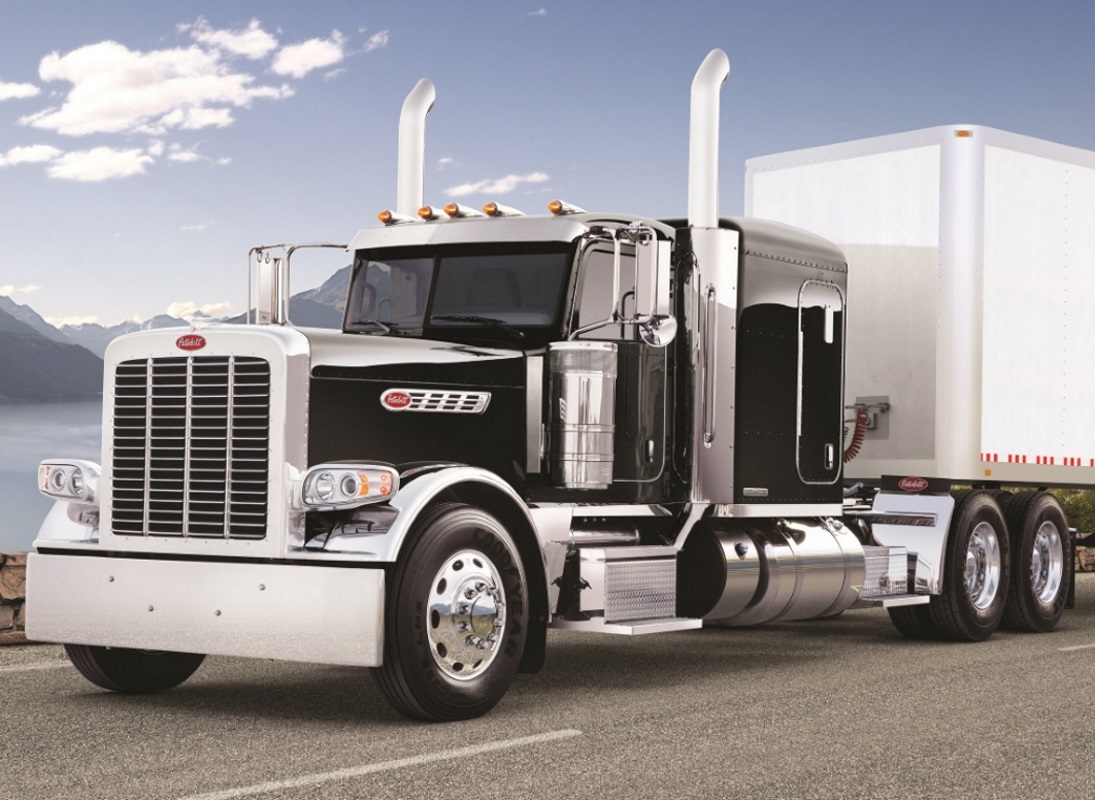 Peterbilt transport photo